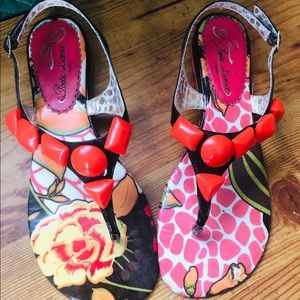 Cute Summer Sandals - beautiful Coral Stones